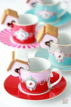 Mini Valentine Gingerbread House Mug Huggers | Sweetopia