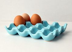 ceramic egg carton (robin's egg blue) from Anthropologie. I've gotta have one. The Pioneer Woman, Pioneer Woman Kitchen, Pioneer Women, Pioneer Woman Dishes, Ceramic Egg Holder, Egg Crates, Blue Eggs, Brown Eggs, Kitchen Accessories
