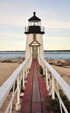 Un faro en Cape Cod Oh The Places You'll Go, Places To Travel, Places To Visit, Dream Vacations, Vacation Spots, Saint Mathieu, Nantucket Island, Point Light, To Infinity And Beyond