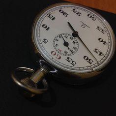 Omega stopwatch jaren 1950  Omega stopwatch RVS mechanische hand gewikkeld in goede conditie goed functioneertCase diameter 50 mmGeregistreerde shippming dhl express  EUR 1.00  Meer informatie