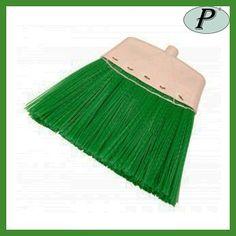 Escobas verdes de plástico planas para suelos rústicos tipo Mill-Plast.     Ver detalles de la escoba en: http://www.tplanas.com/epis/escobas-y-mopas/44-escobas-industriales-mill-plast.html