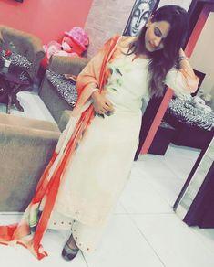 Punjabi Girls, Designer Punjabi Suits, Punjabi Fashion, Designs For Dresses, Girl Swag, Anarkali, Newlyweds, Attitude, Photo And Video