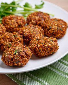 Cómo preparar Falafel de lentejas, Recetas de Tapas y Aperitivos Vegetarianos y Veganos. Ingredientes: Ajo , Cebolla , Lenteja , Pimienta, Cilantro, Pere...
