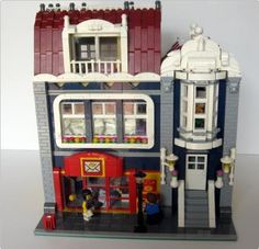 Modular Building with a post office, and an apartment on the first floor. By Olimpio Albano on Flickr