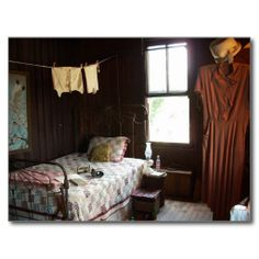 Rooms Home Decor, Room Decor, Wooden Architecture, Boarding House, Cabins And Cottages, Painted Pots, Bedroom Vintage, Old Houses, Vintage Shops