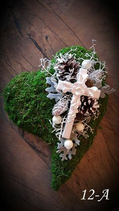 Pine Cones, Floral Arrangements, Heart Shapes, Christmas Wreaths, Crown, Holiday Decor, Home Decor, Corona, Decoration Home