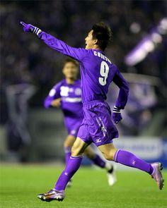 [ AFCチャンピオンズリーグ2010 広島 vs 浦項 ] 広島は1-1の同点で迎えた30分、清水航平のCKを李忠成(写真)が頭で決めて勝越しに成功。  試合速報   ホームゲームチケット情報   決勝戦は11月13日(土)に国立競技場で開催!  2010年4月27日(火):エディオンスタジアム広島