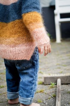 Knitting For Kids, Baby Knitting Patterns, Baby Patterns, Knitting Projects, Fluffy Sweater, Mohair Sweater, Baby Girl Sweaters, Work Tops, Crochet Fashion