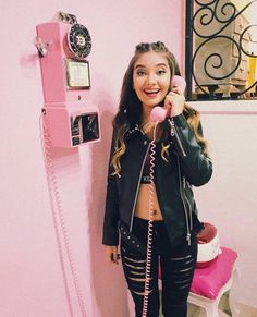 Amara Que Linda Ami Rodriguez, Best Youtubers, Woman Crush, I Am Awesome, Kawaii, My Favorite Things, Roasts, Outfits, Diva