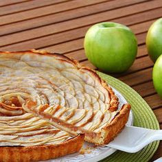 Classic French Apple Tart This pairs perfectly with Late Harvest Riesling and Champagne. For more perfect pairings go to www.chefvivant.com #wine #winepairing #Dessert