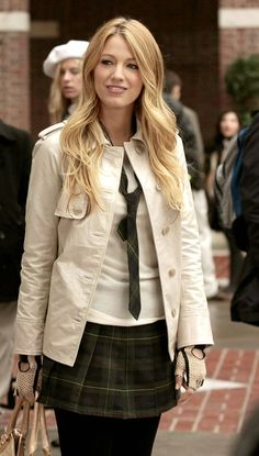Blake Lively as Serena van der Woodsen in Gossip Girl