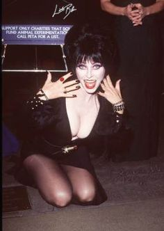 Cassandra Peterson at event of The Exorcist Cassandra Peterson, Goth Beauty, Dark Beauty, Fashion Beauty, Elvira Movies, The Exorcist 1973, Scarlett Johansson, Pin Up, Dark Pictures