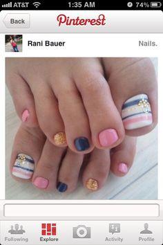 Summer toenails. Love them!!