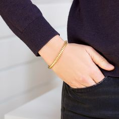 Thin flat twisted bangle (Joelle Kharrat) shop it on Les trouvailles d'Elsa.fr