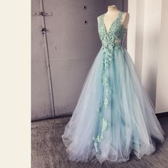 A dress to remember. Blue Dresses, Prom Dresses, Formal Dresses, Spring Summer 2015, Elie Saab, Fancy Dress, Ball Gowns, Fashion Outfits, Bridal