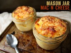 Mason Jar Mac and cheese || I don't really care about the jars, but the recipe sounds basic and yummy, so.
