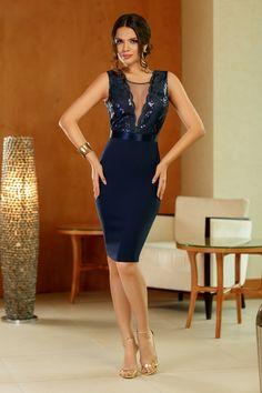 Rochie Elegance Bleumarin 259 lei Rochie midi accesorizata cu paiete si tull