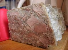 Domácí tlačenka ze tří kolen Czech Recipes, Salty Foods, Food 52, Pork Recipes, Food And Drink, Beef, Homemade, Drinks, Meat Products