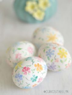 cute painted Easter eggs ❤