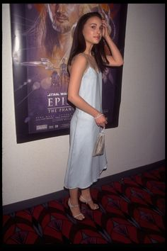 Young Natalie Portman (1365×2048)