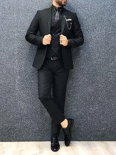 Noah All Red Vested Tuxedo (Wedding Edition) – MenSuitsPage All Black Suit, Black Suit Wedding, Men Wedding Suits, Full Black Outfit Men, Mens Wedding Looks, Costume Noir, Mode Costume, Red Tuxedo, Tuxedo For Men
