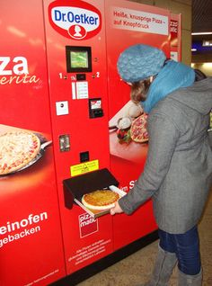 Pizza vending machine, 9″ pizzas cook in 2 minutes while you wait