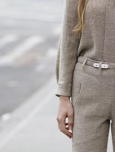 Aristocrator [people | beautiful | clothing | dress | suit | fashion | hairstyle]