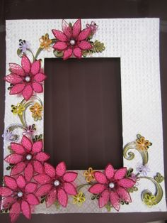 photo frame - interesting how the flowers are done.