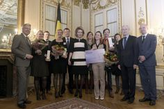 Queen Mathilde next to the winner of the 'Belgian Beauty Award'. The winner, AB Wooddesign, received a check for 1,000 euros.
