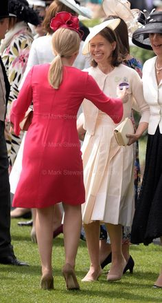 Fun in the sun on the last day of Royal Ascot for Autumn and Peter Phillips and Lady Sarah Jun 2018 Lady Sarah Armstrong Jones, Royal Family History, Lady Sarah Chatto, Autumn Phillips, Order Of The Garter, British Monarchy, Duchess Of Cornwall, Royal Ascot, Golden Girls