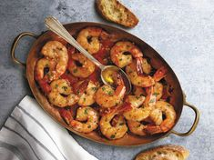 mexican shrimp recipes A Garlic Shrimp Recipe To Make Your Own This Spanish Garlic Shrimp recipe is a favorite tapas dish from Spains Andaluciaregion. Its destined to become your Tapas Dishes, Shrimp Dishes, Fish Dishes, Main Dishes, Pasta Dishes, Mexican Shrimp Recipes, Seafood Recipes, Fish Recipes, Garlic Recipes