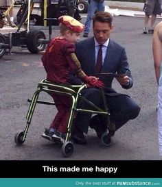 Good guy robert downey jr,,, i think i know this kid..