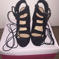 Black heels wraparound ankle size 8 Black heels used condition heel has a little wear to them but can easily be replaced very comfortable can be worn for long hours heels are still in good shape. JustFab Shoes Heels