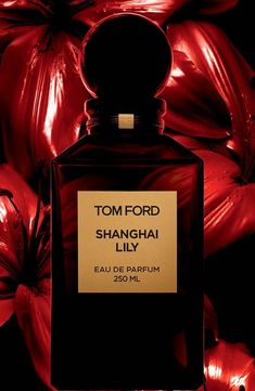 Shanghai Lily by Tom Ford Parfum Victoria's Secret, Tom Ford Beauty, Perfume Reviews, Best Perfume, Body Spray, Smell Good, Shanghai, Perfume Bottles, Perfume Tray