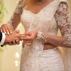Popular Ideas simple long dress with sleeves bridesmaid White Saree Wedding, Sari Wedding Dresses, Bride Reception Dresses, Bridal Sari, White Bridal, Bridal Dresses, Indian Bridal Lehenga, Indian Sarees, Christian Wedding Dress