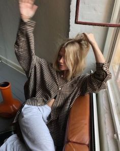 Parisian: How are you? # Parisienne: How are you? Parisian: How are you? # Parisienne: How are Schicke Pullover Outfit Ideen - Pullover Outfits # Magst du schöne Ac. Outfits Casual, Style Outfits, Cute Outfits, Fashion Outfits, Tomboy Fashion, Fashion Goth, Grunge Outfits, Girl Fashion, Disco Pants Outfit