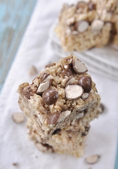 This recipe for Malted Milk Ball Rice Krispies Treats® is sure to inspire you to recreate your favorite desserts with a candy-infused twist! Thankfully you only need five ingredients to whip them up.