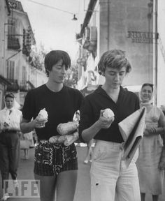 Annabel Schwob and Françoise Sagan, Saint-Tropez, 1957 Jean Seberg, Saint Tropez, Baguette, Françoise Sagan, Writers And Poets, Strong Women, Role Models, Street Photography, The Dreamers