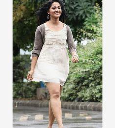 Beautiful Actress Anushka Amazing photoshoot Mirchi movie stills Anushka Latest Photos, Anushka Photos, Actress Anushka, Bollywood Actress, Indian Actresses, Actors & Actresses, Tamil Actress Photos, Stunning Women, Photo Archive