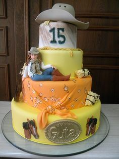 Bolo de 15 Anos da Guta Make it a cowboy, change the age and we've got a winner of a birthday cake. Cowgirl Cakes, Western Cakes, Pretty Cakes, Beautiful Cakes, Amazing Cakes, Crazy Cakes, Fancy Cakes, Unique Cakes, Creative Cakes