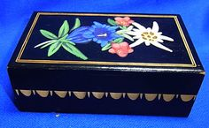 Vintage German Wood Carved Box Edelweiss Flowers #T2