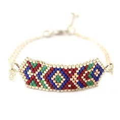 "Bracelet ethnique chic ""Hexa Red"" Bead Embroidery Jewelry, Beaded Jewelry, Beaded Bracelets, Peyote Patterns, Beading Patterns, Memory Wire Jewelry, Jewelry Patterns, Bead Weaving, Bracelets"