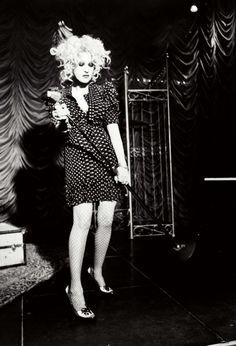 A very cool photo of Cyndi Lauper Cyndi Lauper, Mode Rock, Style Rock, One Republic, Culture Club, Glamour Shots, Punk, Film Music Books, 80s Music