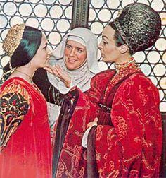 Lady Capulet Act I Scene 3, i actually really like this movie