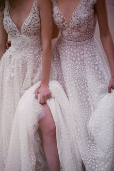 We got in our hands, the brand-new bridal collection of Mairi Mparola for Spring-Summer 2020 and we are over the moon. The lovely and super talented designer Ethereal Wedding Dress, Boho Wedding Dress, Wedding Gowns, Wedding Dress Gallery, High End Fashion, Bridal Collection, Fashion Looks, Bridal Designers, Formal Dresses