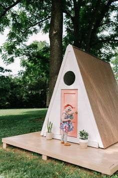 2018 Reader Favorites - A Beautiful Mess. A-frame kid's playhouse DIY - so cute! Build A Playhouse, Playhouse Outdoor, Garden Playhouse, Cubby Houses, Play Houses, Backyard For Kids, Diy For Kids, Outdoor Fun, Outdoor Spaces