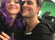 Image in 𝙳𝙾𝚅𝙴 𝙲𝙰𝙼𝙴𝚁𝙾𝙽. on We Heart It Disney Channel Movies, Disney Channel Descendants, Descendants Cast, Descendants Characters, Descendants Costumes, Sofia Carson, Hades, Cheyenne Jackson, Hairspray Live