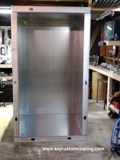 Learn how to build your own Powder Coating oven with these step by step instructions. Powder Coating Diy, Sheet Metal Tools, Power Coating, Metal Bender, Fiberglass Insulation, Insulated Panels, Powder Paint, Floor Framing, Built In Ovens