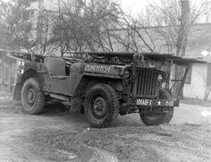 Specialist litter rack created by the 326th A/B Med Co and mounted on one of its ¼-ton Trucks. The modification was designed by Lieutenant Louis G. Shadegg (326th A/B Med Co) for airborne use and could fit into a C-47 cargo plane or CG-4A glider.