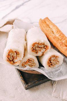 Shanghai Breakfast Rice Rolls (Ci Fan 粢饭) recipe by The Woks of Life Fan Tuan Recipe, Asian Recipes, Ethnic Recipes, Asian Foods, Chinese Recipes, Chinese Food, Chinese Breakfast, Rice Rolls, Craving Carbs